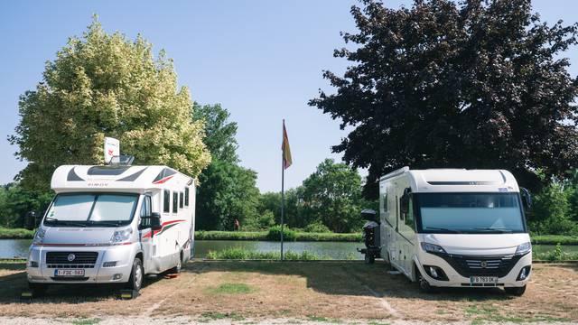 Parken in Epinal - Camping-Auto - Essen gehen in Epinal - Parken in Epinal