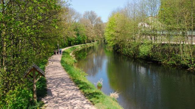 Der Radwanderweg den Canal des Vosges entlang