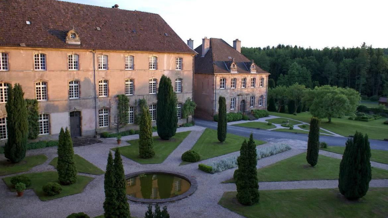 Etappe 1: 10 h 00 - Besuch der Abtei von Autrey mit ihrem ganz besonderen Garten.