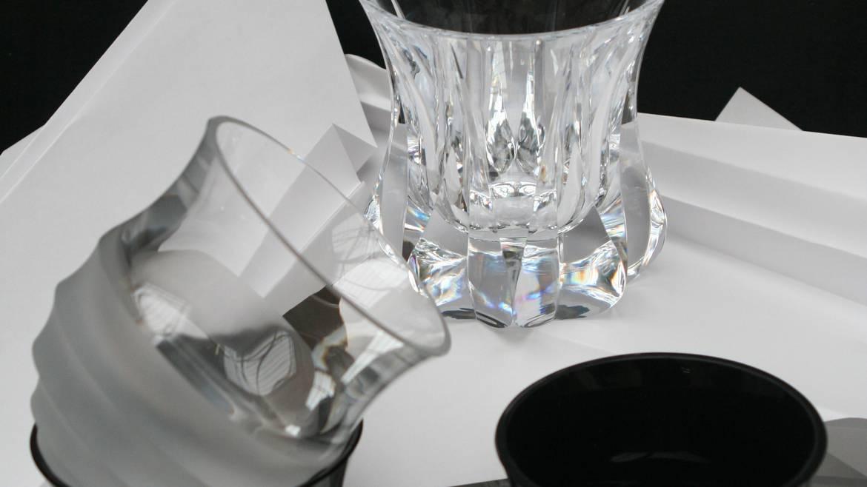 """Etappe 1: 10 h 00 Besichtigung der Kristallfabrik und Glasbläserei """"La Rochère""""."""