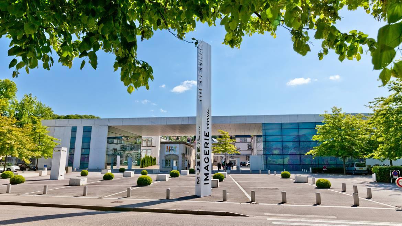 -Etappe 2: 11 h 00 - Besichtigung des Bildermuseums von Épinal