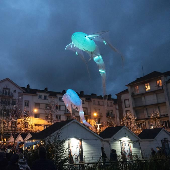 Weihnachtsbeleuchtung - Weihnachtsmarkt Epinal - Dorf Saint Nicolas - Weihnachtsshow Epinal